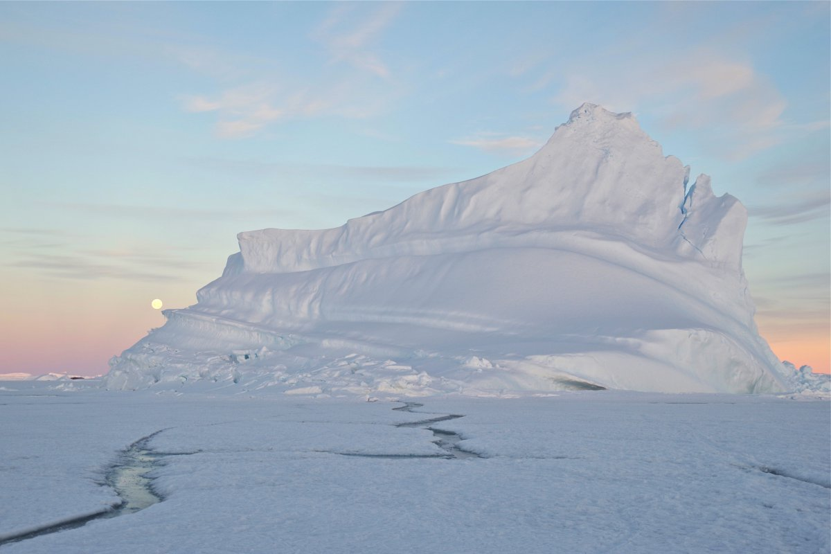 1.9 Iceberg under the midnight sun of the South Pole.